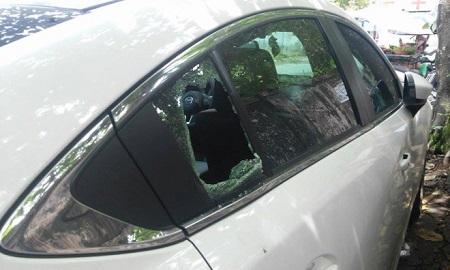 Điều tra vụ kẻ gian đập cửa kính 4 ô tô để trộm cắp tài sản trong đêm - Ảnh 1