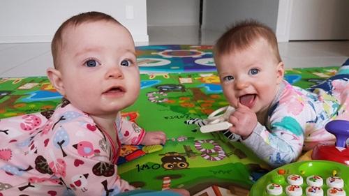 Kỳ lạ hai chị em ruột sinh cách nhau 10 ngày - Ảnh 3