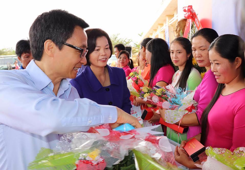 Vinamilk tiên phong mang chương trình sữa học đường đến với trẻ em Đắk Nông - Ảnh 4