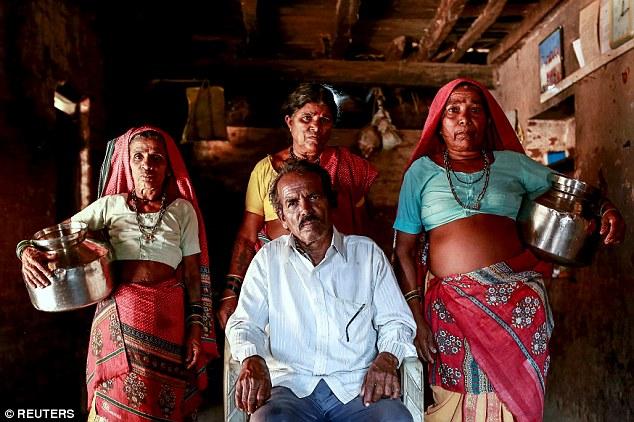 """Kỳ lạ: Ngôi làng mà đàn ông lấy nhiều vợ chỉ vì """"thiếu nước"""" - Ảnh 1"""
