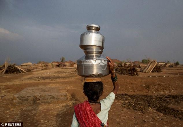 """Kỳ lạ: Ngôi làng mà đàn ông lấy nhiều vợ chỉ vì """"thiếu nước"""" - Ảnh 2"""