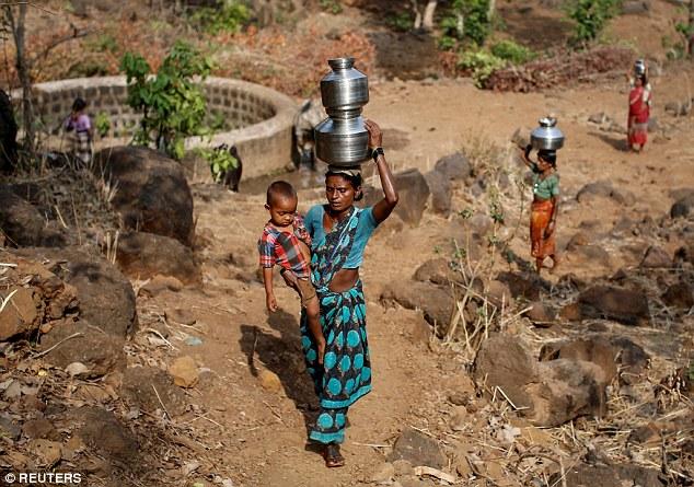 """Kỳ lạ: Ngôi làng mà đàn ông lấy nhiều vợ chỉ vì """"thiếu nước"""" - Ảnh 5"""