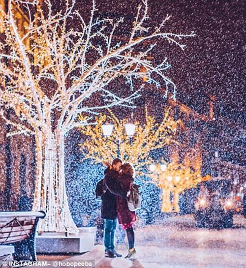 Mê mẩn cảnh tuyết rơi trắng xóa ở Nga - Ảnh 9