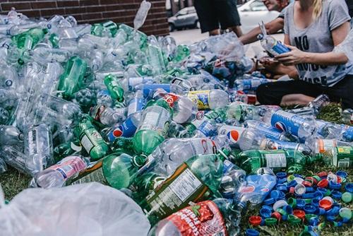 Chùm ảnh đáng suy ngẫm về rác thải nhựa và nàng tiên cá - Ảnh 5