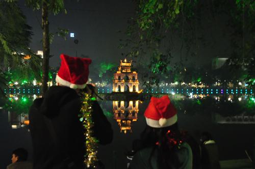 Địa điểm vui chơi Giáng sinh (Noel) 2016 tại Hà Nội hấp dẫn nhất - Ảnh 3
