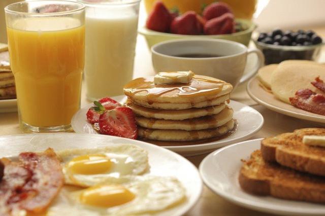 Không chờ bố mẹ chồng ăn sáng, con dâu bị đuổi khỏi nhà - Ảnh 1
