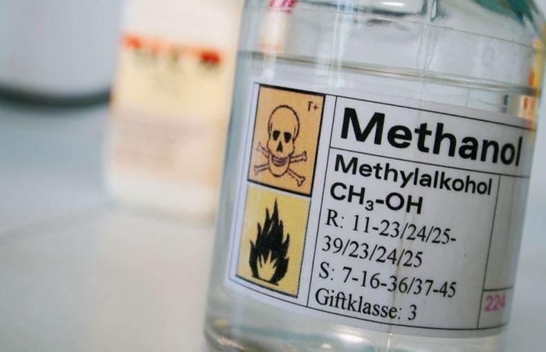 Đề nghị quy định màu cồn methanol để tránh uống nhầm, ngộ độc rượu - Ảnh 1