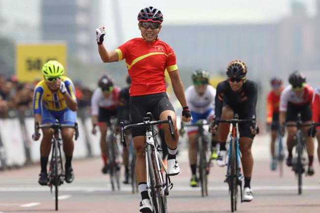 Nguyễn Thị Thật giành HCV châu lục đầu tiên trong lịch sử làng xe đạp nữ Việt Nam - Ảnh 1