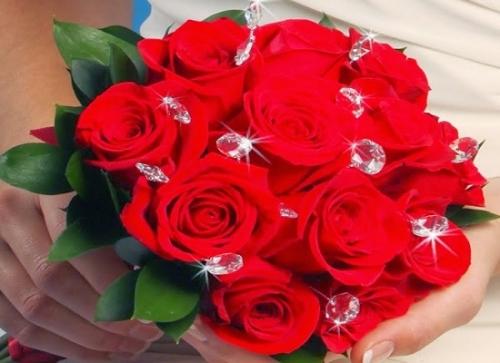 Lễ tình nhân 14/2: 7 gợi ý quà tặng Valentine cho người yêu ý nghĩa, lãng mạn nhất - Ảnh 3