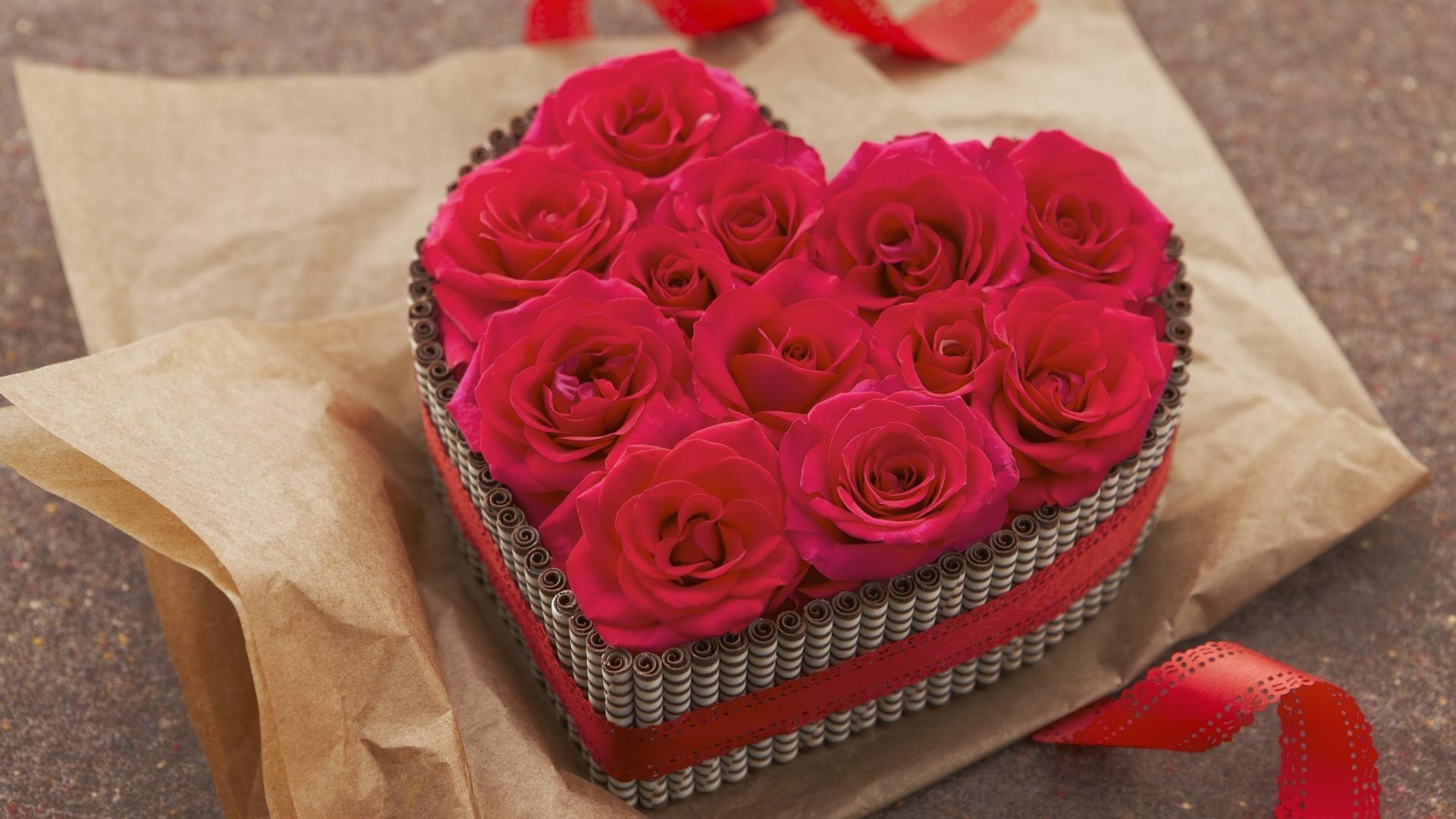 Vì sao hoa hồng và socola là hai món quà thường tặng trong ngày Valentine? - Ảnh 1