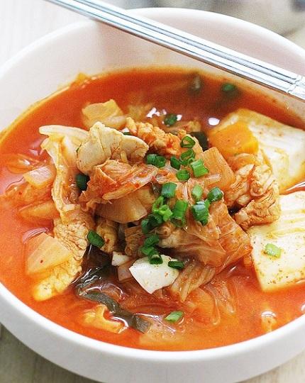 Bữa tối đầu tuần ngon hết ý với món canh kim chi thịt heo chuẩn vị Hàn Quốc - Ảnh 4