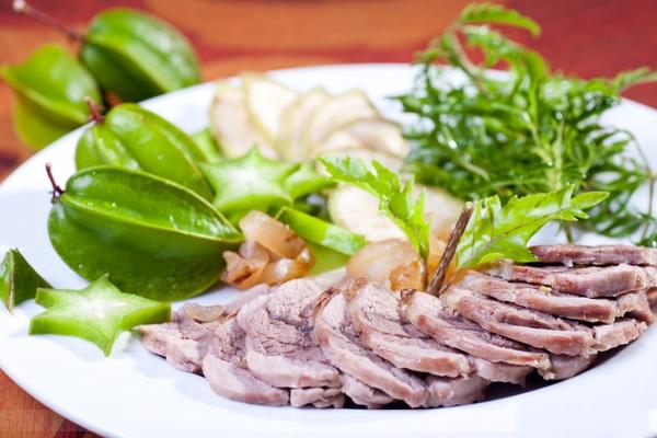Món ngon bữa tối: Thịt bê hấp gừng sả chấm tương bần ngon hết ý - Ảnh 4