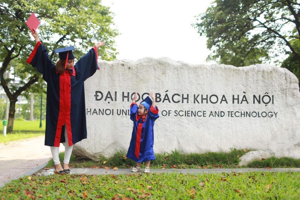 Nữ sinh Bách Khoa đưa con 3 tuổi đi nhận bằng tốt nghiệp và 'khoảng trời' của mẹ đơn thân - Ảnh 3