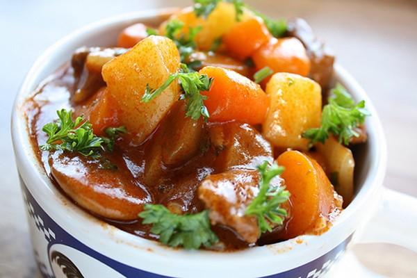 Món ngon bữa tối: Thịt bò sốt vang ngon đúng điệu - Ảnh 4