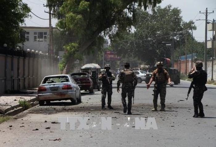 IS nhận đứng sau vụ đánh bom xe tại Afghanistan làm 26 người thiệt mạng - Ảnh 1