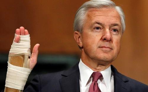 CEO ngân hàng lớn thứ ba Mỹ mất chức vì bê bối gian lận - Ảnh 1