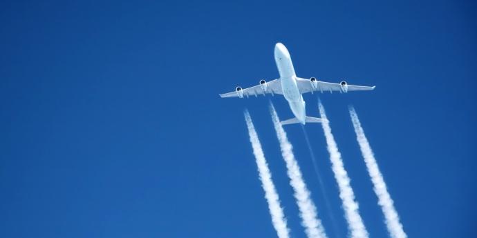 Hàng không đối mặt bồi thường khí thải 23,9 tỷ USD/năm - Ảnh 1