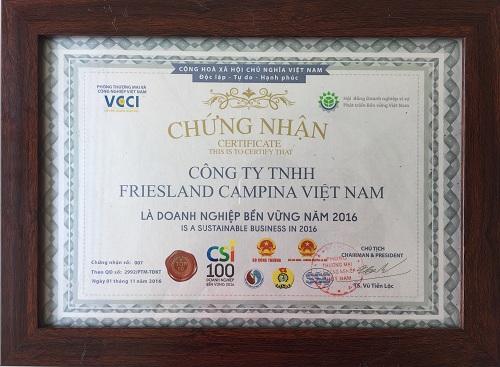 FrieslandCampina Việt Nam được vinh danh Top 10 doanh nghiệp bền vững 2016 - Ảnh 1