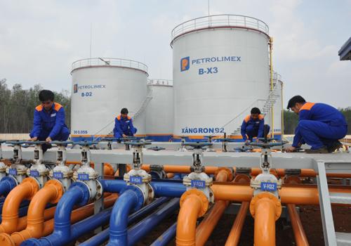 Giảm lượng nhập khẩu xăng dầu trong nửa đầu tháng 12 - Ảnh 1