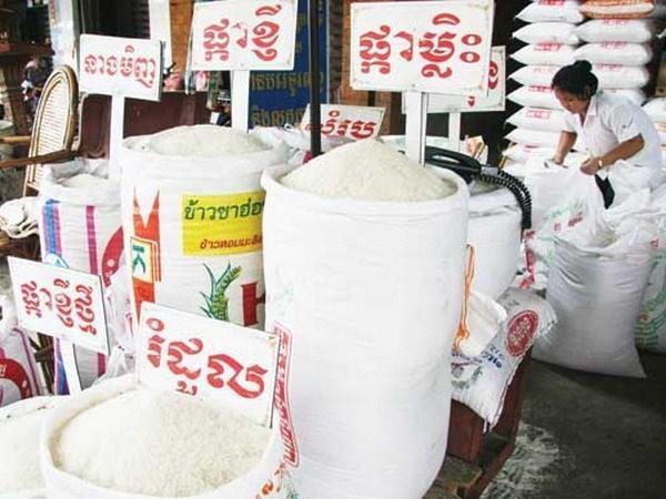 """Cách một con sông nhưng gạo Việt """"thua trắng"""" gạo Campuchia - Ảnh 1"""