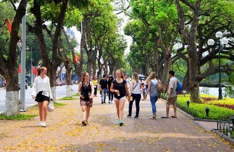 Năm 2017, khách quốc tế đến Hà Nội tăng 23% - Ảnh 1