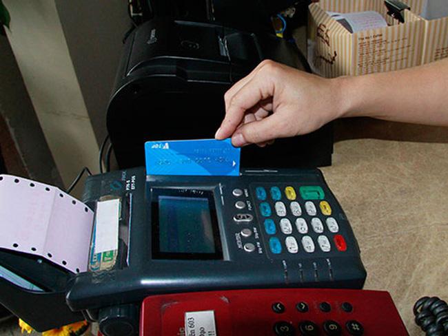 Lý do Cục thuế TP.HCM đề xuất đi ăn hàng từ 5 triệu phải quẹt thẻ thanh toán - Ảnh 1