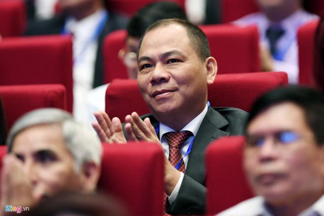 Ngôi vương sàn chứng khoán Việt lại đổi chủ - Ảnh 1