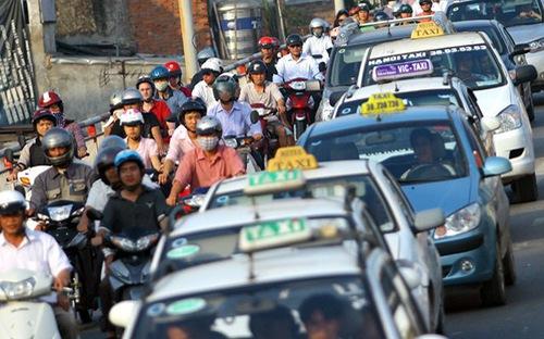 Hà Nội yêu cầu taxi phải sử dụng phần mềm đặt, gọi xe từ 1/7/2018 - Ảnh 1