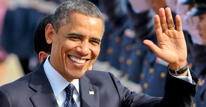 """Công việc gì giúp ông Obama có thu nhập cao hơn """"nghề"""" Tổng thống Mỹ? - Ảnh 1"""