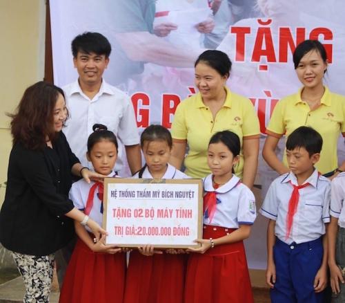 Hà Tĩnh: Huyện Vũ Quang cảm ơn báo ĐS&PL đã đồng hành cùng người dân vùng lũ - Ảnh 4