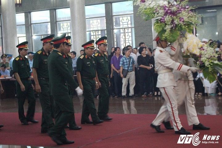 Xúc động lễ truy điệu 3 chiến sỹ hy sinh trong vụ máy bay rơi ở Vũng Tàu - Ảnh 5