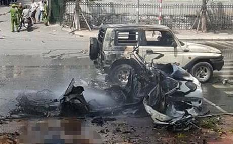 Hiện trường vụ nổ taxi kinh hoàng khiến 2 người tử vong - Ảnh 4