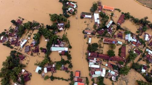 Bình Định đề nghị Chính phủ hỗ trợ khẩn cấp 500 tỷ đồng khắc phục hậu quả mưa lũ - Ảnh 1