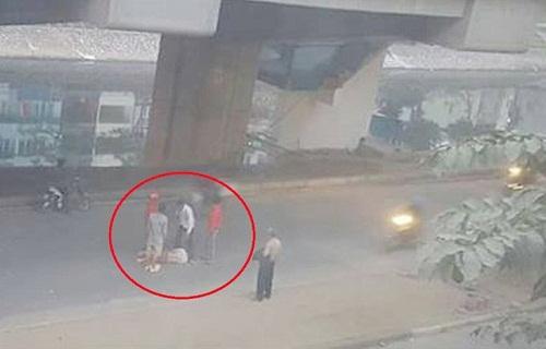 Nam thanh niên ngã dưới đường sắt trên cao khai bị xe máy tông khi đang đi bộ - Ảnh 1