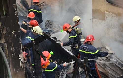 Cảnh sát PCCC TP HCM đề xuất dùng trực thăng quân đội chữa cháy nhà cao tầng - Ảnh 1