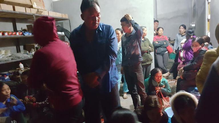 Vụ lật xe ở Nghệ An 14 người nhập viện: Hành khách kể lại giây phút sinh tử - Ảnh 4