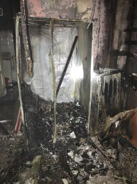 Giải cứu 6 người trong đám cháy ở căn nhà 3 tầng - Ảnh 2