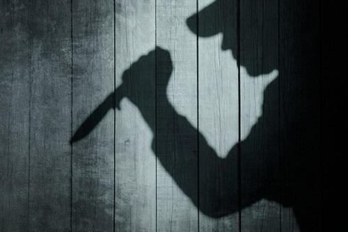 Mâu thuẫn trên bàn nhậu, nam thanh niên dùng dao đâm chết người - Ảnh 1