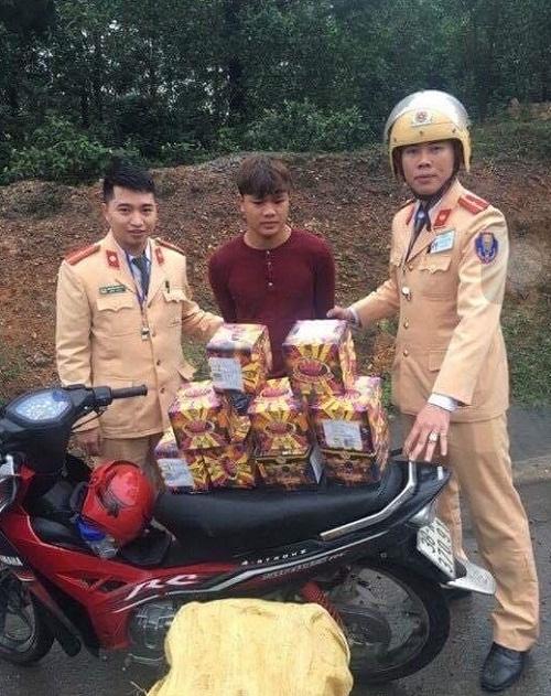 Hà Tĩnh: Liên tục bắt giữ các đối tượng vận chuyển, buôn bán pháo nổ - Ảnh 1