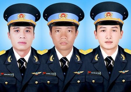 Vụ máy bay rơi tại Bà Rịa – Vũng Tàu: Thăng quân hàm cho 3 sĩ quan hy sinh - Ảnh 1