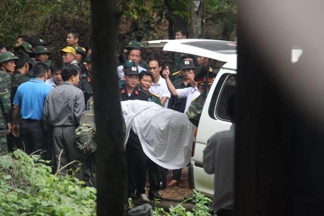 Vụ máy bay rơi tại Bà Rịa – Vũng Tàu: Thăng quân hàm cho 3 sĩ quan hy sinh - Ảnh 2