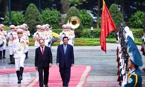 Lễ đón Thủ tướng Campuchia Hun Sen tại Hà Nội - Ảnh 2