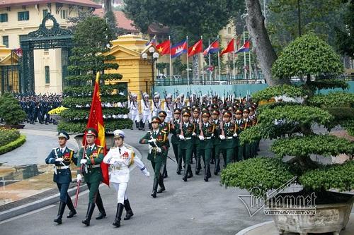 Lễ đón Thủ tướng Campuchia Hun Sen tại Hà Nội - Ảnh 1