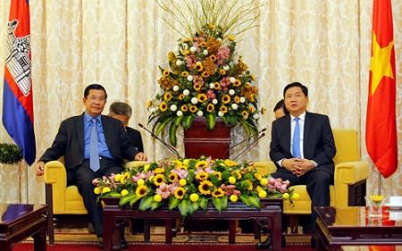 Thủ tướng Campuchia Hun Sen thăm TP HCM - Ảnh 2