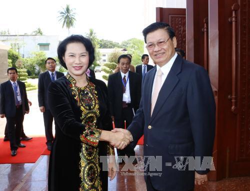 Báo chí Lào đánh giá cao chuyến thăm của Chủ tịch Quốc hội - Ảnh 1