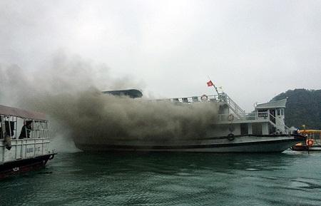 Lộ nguyên nhân vụ cháy tàu du lịch trên vịnh Hạ Long - Ảnh 2