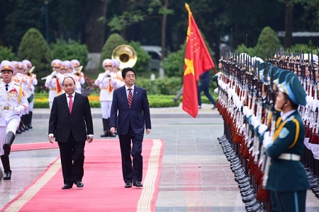 Lễ đón trọng thể Thủ tướng Nhật Bản Shinzo Abe tại Phủ Chủ tịch - Ảnh 2