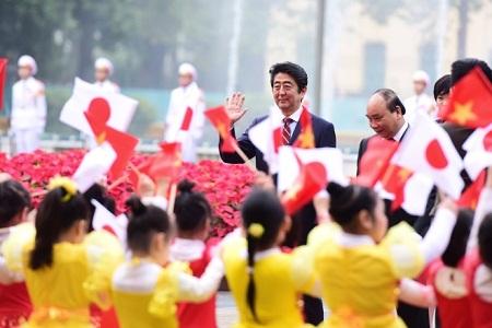 Lễ đón trọng thể Thủ tướng Nhật Bản Shinzo Abe tại Phủ Chủ tịch - Ảnh 3
