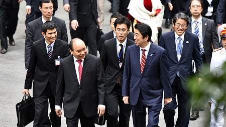 Lễ đón trọng thể Thủ tướng Nhật Bản Shinzo Abe tại Phủ Chủ tịch - Ảnh 7