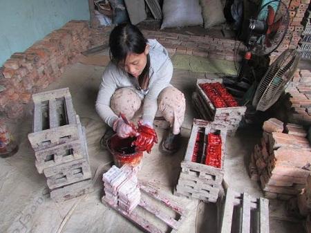 """Về làng nghề truyền thống sản xuất những """"báu vật"""" dịp ông Công, ông Táo - Ảnh 2"""